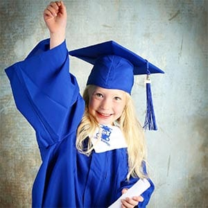 Kiddi Kollege Grad Girl